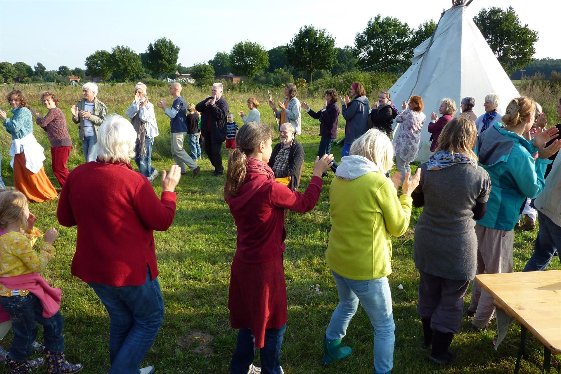 Kreis-Tanz-Workshop mit Declan Kennedy